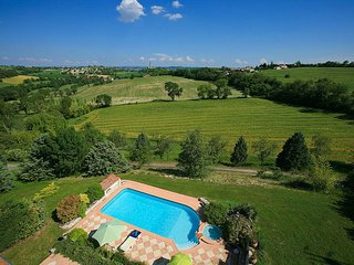 Castelnau-de-Levis Villa Sleeps 2 with Pool Air Con and WiFi - 5604559