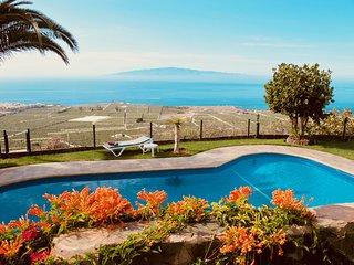 Casa con vistas espectaculares al mar y a La Gomera.