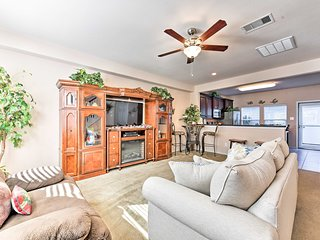 NEW! Cozy Townhouse w/ Patio Near Kemah Boardwalk!