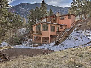 NEW! Secluded Basalt Cabin w/ Stunning Mtn Views!