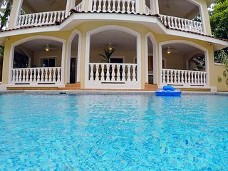 Bocas Best! Villa Paraiso- A/C Luxury ON the Beach Villa w/ Private Pool