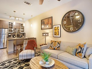 NEW LISTING! Sleek condo with shared pool and fitness room. Right downtown!