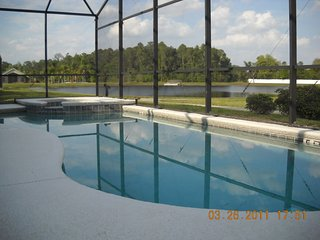 Lake view 7  bedrooms 5.5 baths 4 king size bed suite