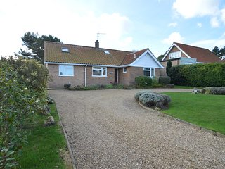 NCC73 Bungalow situated in Blakeney