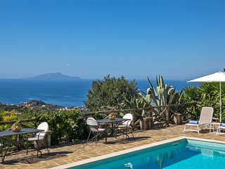 Villa Amiela with Private Pool, Sea View, Garden, Terrace, Breakfast and Parking