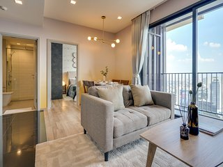 Sophisticated 2bed2bath in The Line Jatujak-Mochit Condo