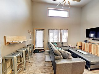 Brand-new 2BR - Walk to Ski Lift, Across Street From Free Bus Service
