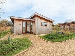 COTTESMORE, en-suite, open-plan living, Oakham 3 miles, Ref 977696
