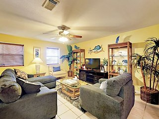 Peaceful Port Isabel Ground-Floor Unit w/ Pool -- Walk to Dining & Pier!