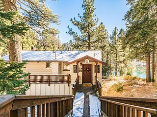 Lakefront View! Pool Table & Direct Lake Access - 7 Miles to Snow Valley