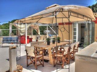 VILLA ARMENI - Relax in Pool, Sauna, Hamam and hot Jacuzzi