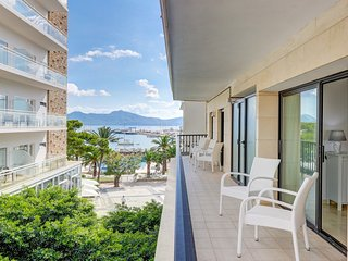 Sea View apartment, WiFi, beach, sea views