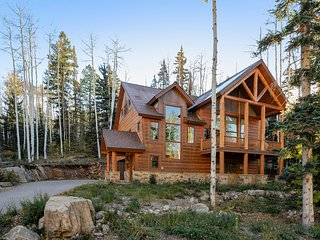 3,300 Sq Ft Elegant Mountain Retreat. Custom Home with private shuttle to resort