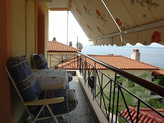 Three floor house 50m from the sea, beautiful view