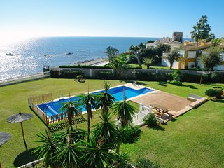 BEACH FRONT VILLA IN COSTA DEL SOL