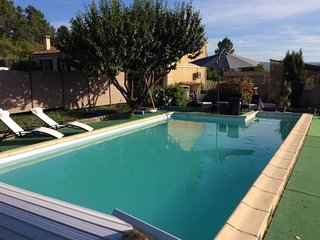 2 bedroom Villa in Les Huguets, Provence-Alpes-Côte d'Azur, France : ref 5713195