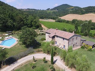 Sant'Albino Villa Sleeps 14 with Pool Air Con and WiFi - 5226996