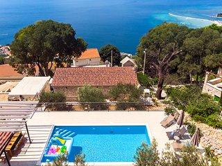 4 bedroom Villa in Kucine, Splitsko-Dalmatinska Zupanija, Croatia - 5712741