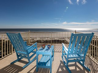 Oceanfront Oasis, North Forest Beach, Pet Friendly 5 Bedroom