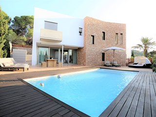 4 bedroom Villa in Montecristo, Balearic Islands, Spain - 5712718