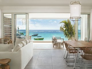 O'Biches - Modern and stunning 3 bedroom apartment facing Trou aux Biches beach