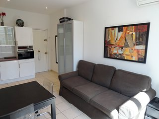 Residence Lily 1 Bedroom Rue Florian