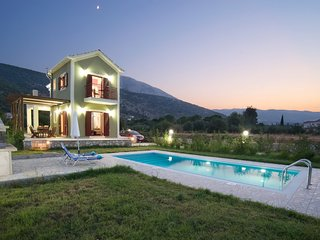 Villa Ioanna In Agia Efimia, Private Pool, Quiet, No car rental necessary