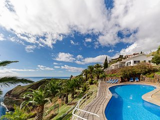 Stunning Cliff Top Villa With Heated Pool, Panoramic Sea View | Villa Da Falesia