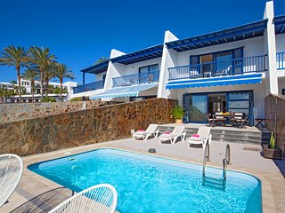 Puerto Calero Villa Sleeps 6 with Pool Air Con and WiFi - 5825233