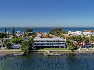 The Anna Maria Island Beach Palms 5B