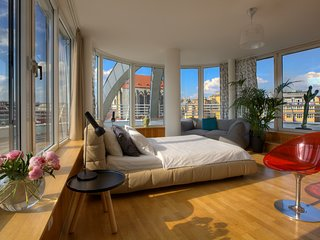Glass Rooftop Apartment