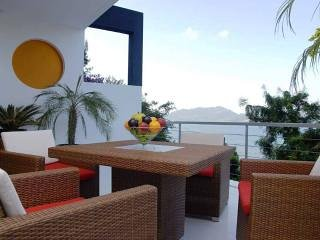 Atika Villas villa10 oceanfront served pool villa