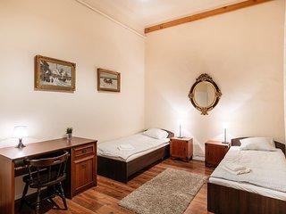 Krakowian style Apartment Wawel-4min. to Market :)