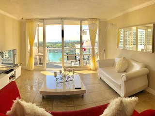 Oceanfront luxury apartment 5 min from south beach