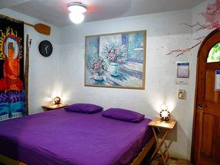 Hostel Natura Purple Room