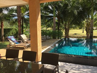 Pool-Villa 15palms Beach Ressort