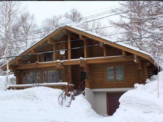 Snowy Cabin Niseko 5 min from lift