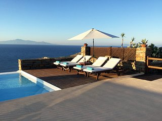 Stone villa Aqua Marina with a fantastic sea view and swimming pool, in Otzia