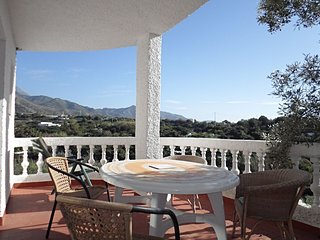 Golf 51-M Villa with 3 bedrooms for 6 people in Playa Burriana area