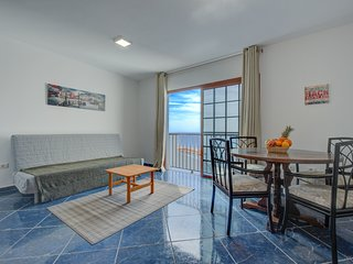 First line apartment in Puerto de Santiago