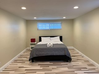 ❤️Upscale❤️Huge Room near Disney+Nice Neighborhood 24/7 Checkin