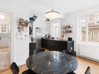 Lovely apartment on 2 floors near Ryparken st