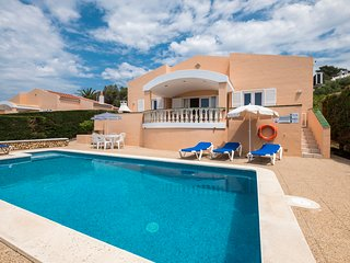Holiday villa with swimming pool in Son Bou