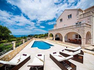 4 bedroom Villa in Zvekovica, Croatia - 5238939