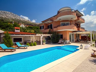 NEW! Villa ANITA with private pool, gym, 6 bedrooms, panoramic views, 5km to sea