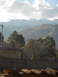 La cordillera de los Andes con el Tunari al fondo, cerca de la casa.