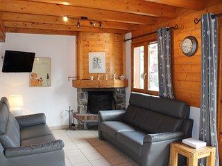 Chalet Negritelles 1 - Ski Chalet centrally located, footsteps to ski slopes, li