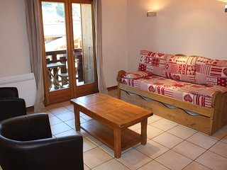 Aprt. Azalees 5 - Apartment with view centrally located and foot steps to slopes