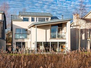 Lagoon Villa (CW3), Cotswolds