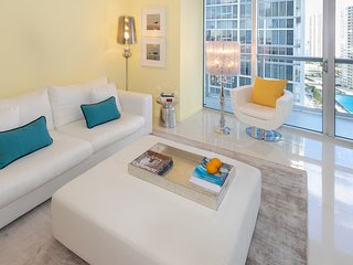 ★City & Bay Views★Above W Miami★Fully Equipped★Free Wi-Fi★SPA★